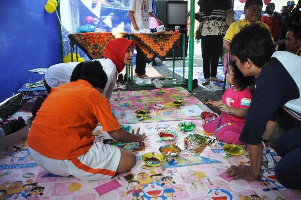 Menumbuhkan kreatifitas anak