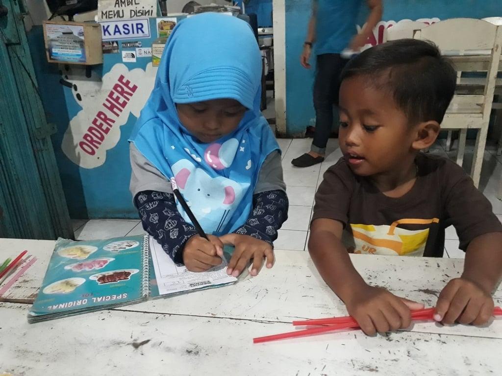 Belajar Baca-Tulis; Beli Jajan, Silakan Tulis Sendiri 1