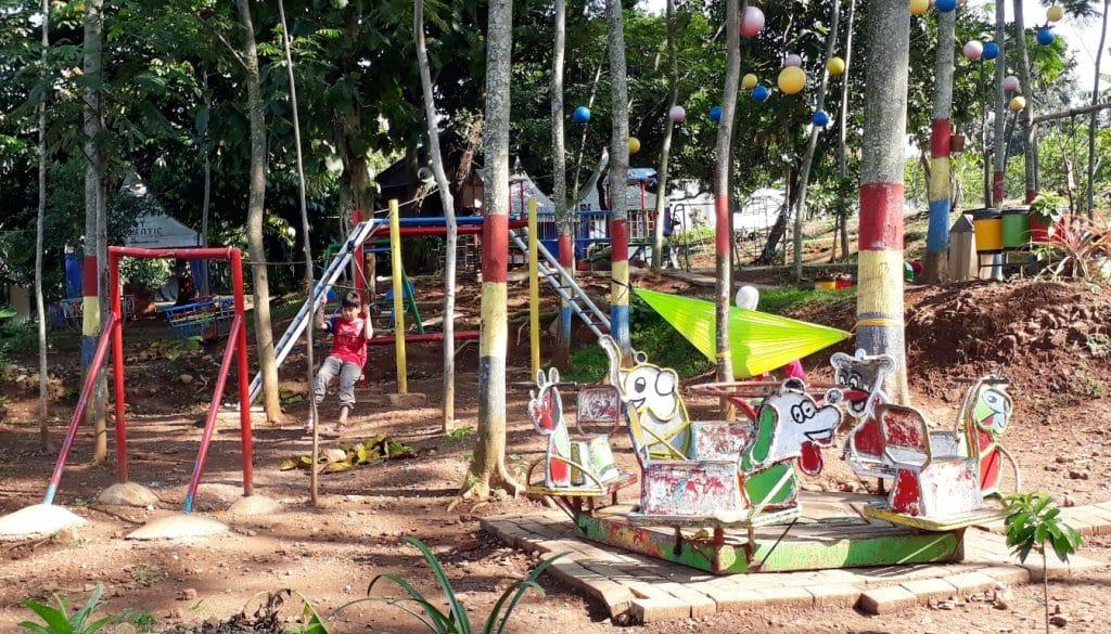 Bermain dan Berkebun di Taman Pelangi Mardi Utomo Semarang 3