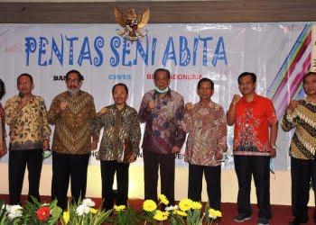 Pendiri dan pengurus yayasan ABITA. Foto: DeParenting.com